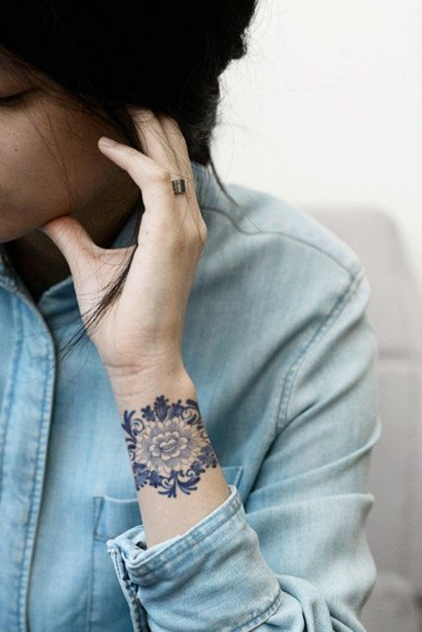 Cute Small Tattoo Designs for Women (50)