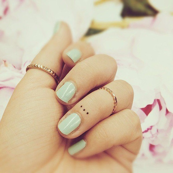 Cute Small Tattoo Designs for Women (9)