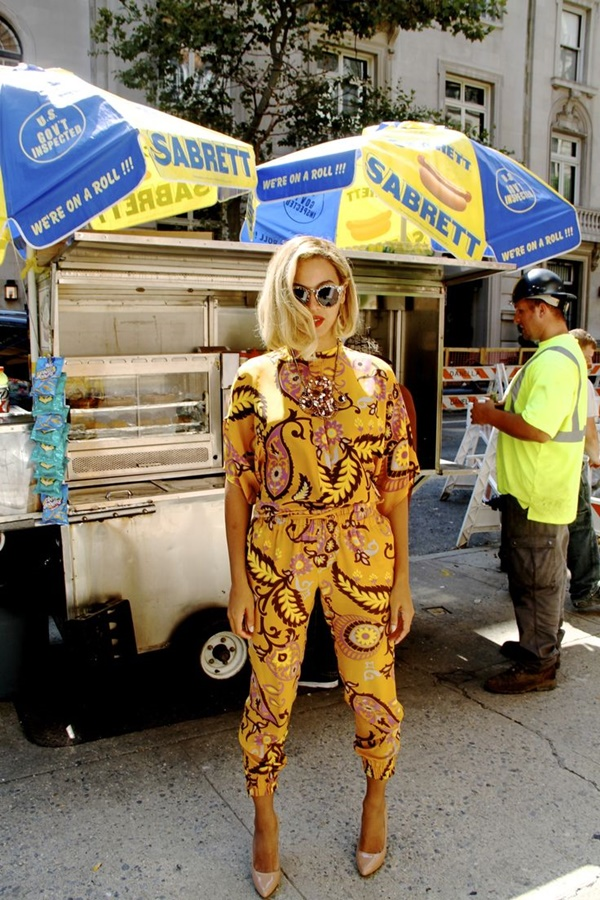 Celebrity Fashion Style Outfits23-Beyonce looking flawless in this printed yellow jumpsuit
