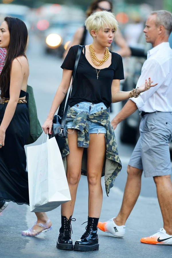 Celebrity Fashion Style Outfits24-Miley Cyrus's Grunge style