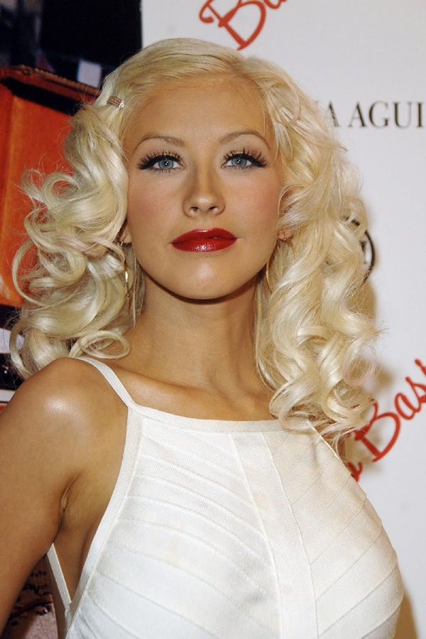 Long and Short Celebrity Hairstyles14 - christina aguilera hairstyle