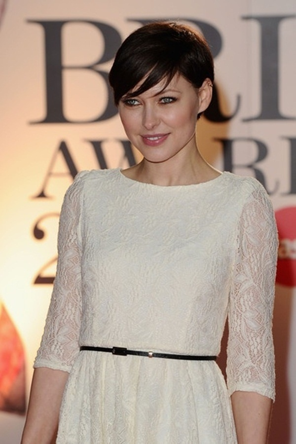 Long and Short Celebrity Hairstyles91-emma willis hairstyle