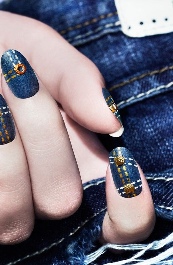 Simple Winter Nail art Ideas for Short Nails (76)