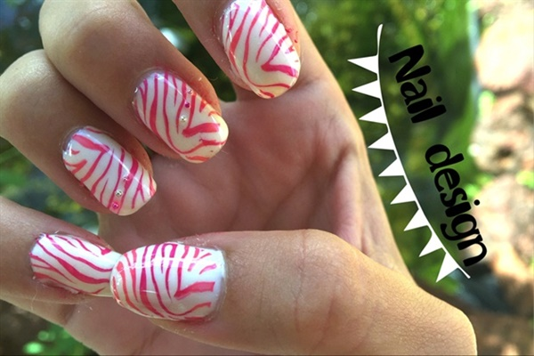 Cute Pink and White Nails Designs (19)