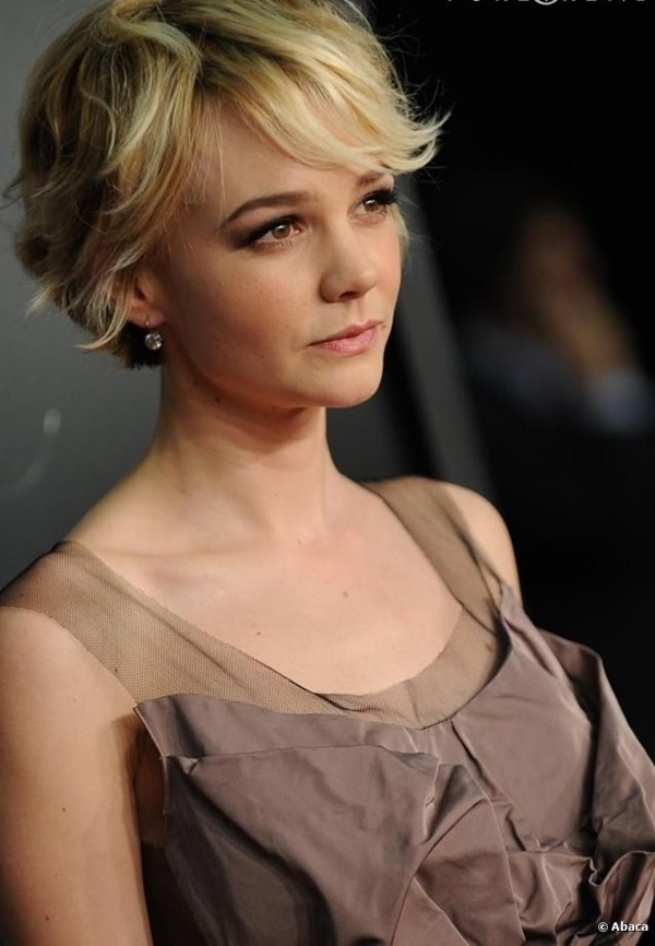 Cute and Short Hair styles for Women (17)