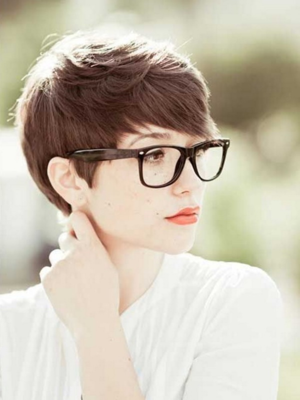 Cute and Short Hair styles for Women (62)