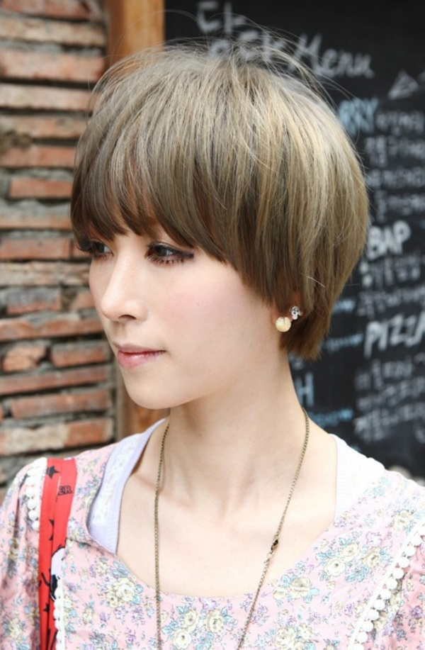 Cute and Short Hair styles for Women (68)