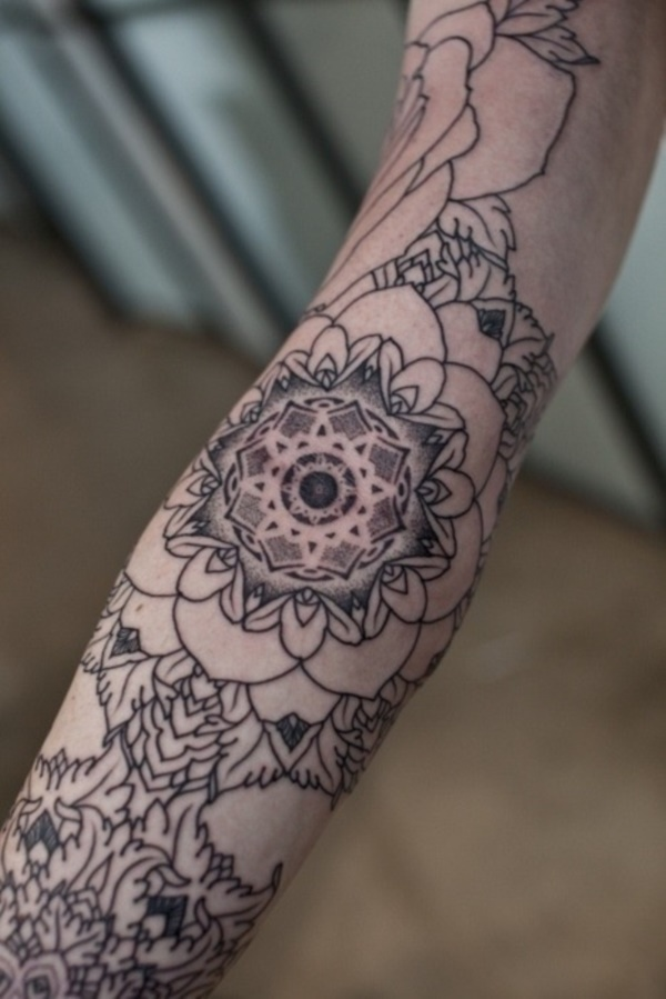 Flower Tattoo Designs for Women (35)