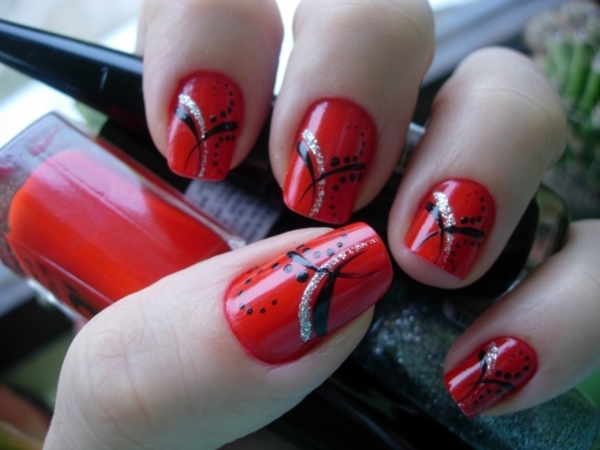 Red Nail Art Designs (16)