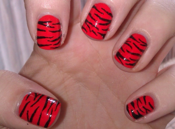 Red Nail Art Designs (24)