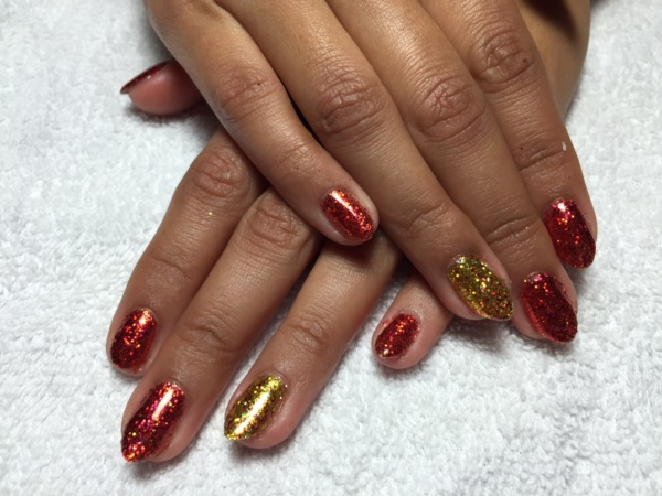 Red Nail Art Designs (3)