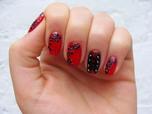 Red Nail Art Designs (4)