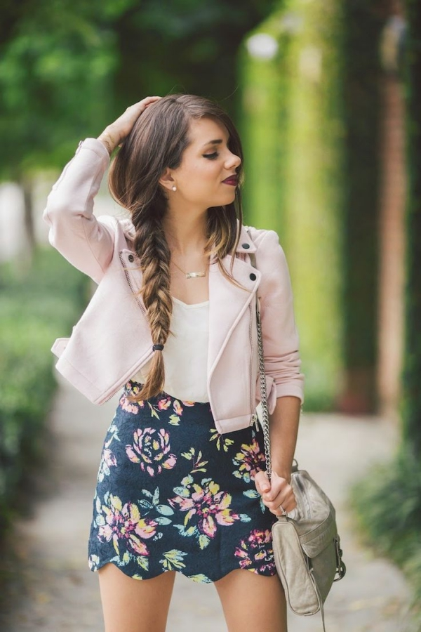 Flattering Skirt Outfits Ideas 1