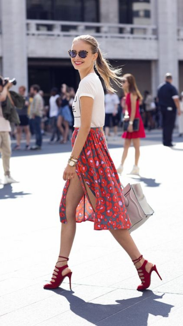 Flattering Skirt Outfits Ideas 12