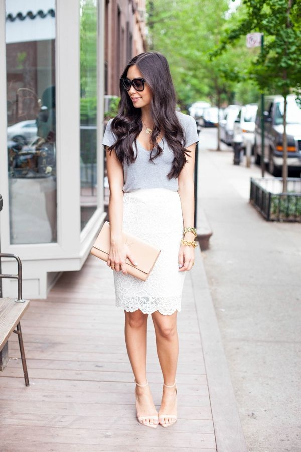 Flattering Skirt Outfits Ideas 16- lacy skirt