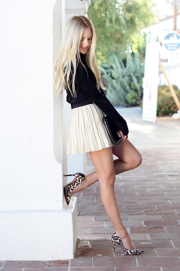 Flattering Skirt Outfits Ideas 19. Crushed Pleated Skirt