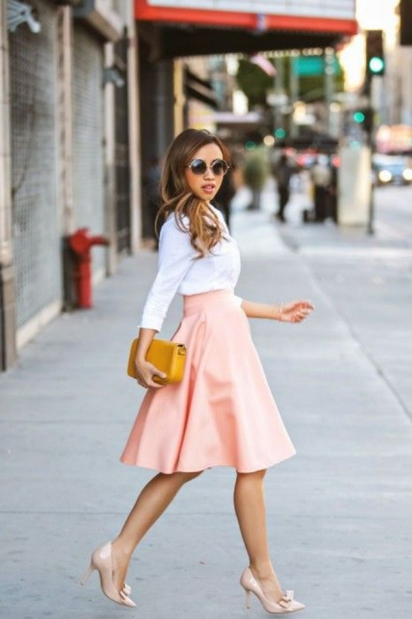 Flattering Skirt Outfits Ideas 25