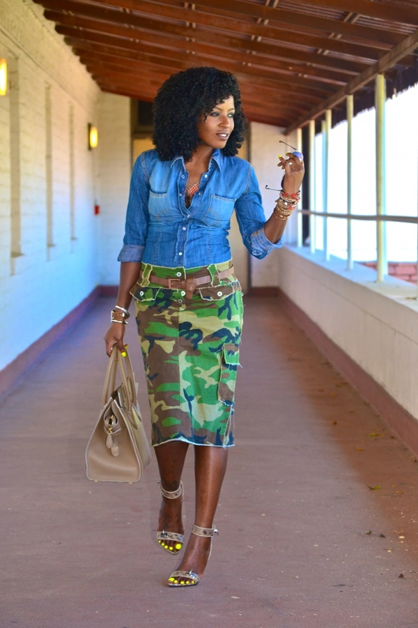 Flattering Skirt Outfits Ideas 27. Camo skirt