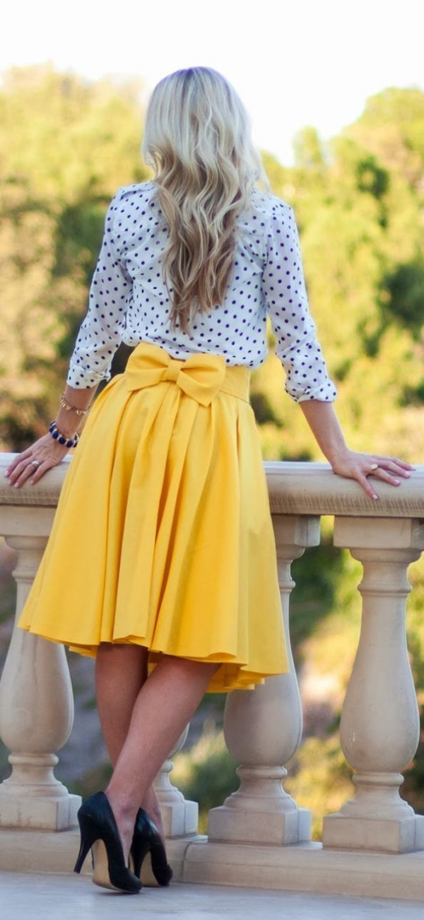 Flattering Skirt Outfits Ideas 39. bow skirt