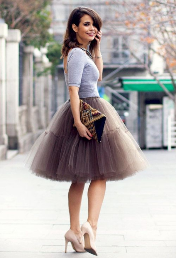Flattering Skirt Outfits Ideas 8