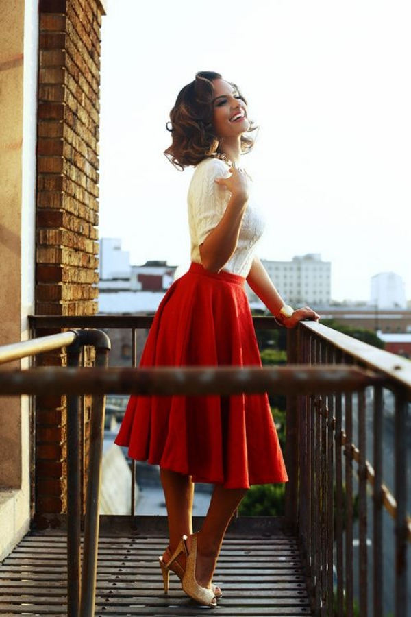 Flattering Skirt Outfits Ideas 9