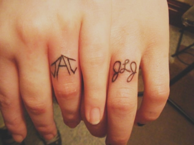c8c830af536da 101 Matching Couple Tattoo Ideas for Passionate Lovers