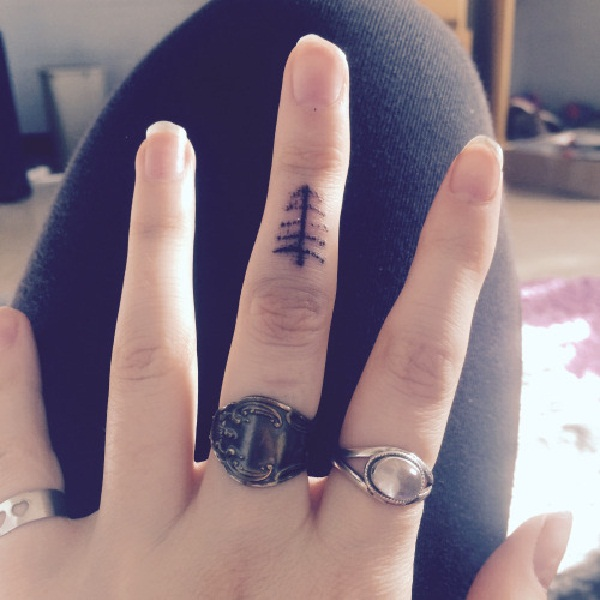 825322de9 101 Small Tree Tattoo Designs that're equally Meaningful &Cute
